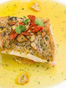 white fish in butter lemon sauce